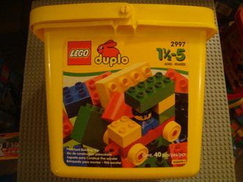 Peeron Small Duplo Bucket 2997 1
